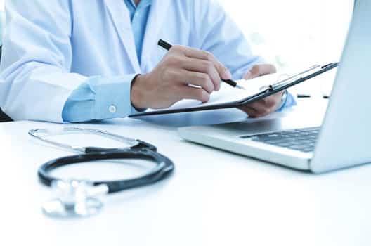 Carreira e Profissão especializações de medicina capa
